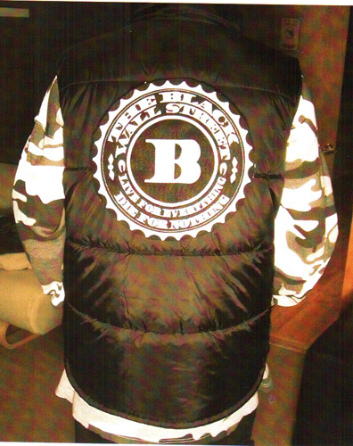 BLACKWALLSTREET WHITE LOGO QUILTED VEST - BLACK